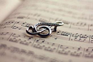 همراهی با نوا ها و موسیقی